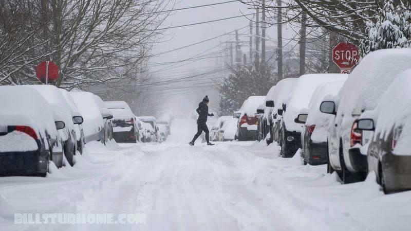 สภาพอากาศ ในเท็กซัสในขณะนี้ ผู้คนเกือบเจ็ดล้านคนในรัฐเท็กซัสของสหรัฐฯได้รับคำสั่งให้ต้มน้ำประปาก่อนบริโภคหลังจากพายุฤดูหนาวร้ายแรง