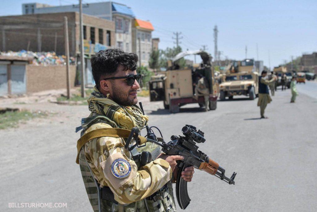 ตาลีบันบุกยึดเมืองกันดาฮาร์กลุ่มตอลิบานได้ยึดเมืองกันดาฮาร์ที่ใหญ่เป็นอันดับสองของอัฟกานิสถาน ในสิ่งที่เป็นการทำลายล้างของรัฐบาล
